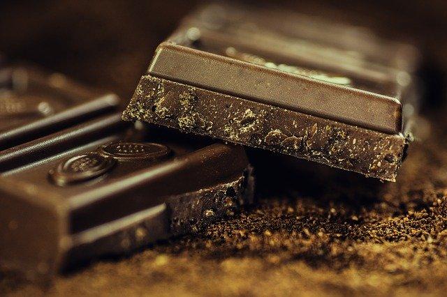 chocolate has caffeine