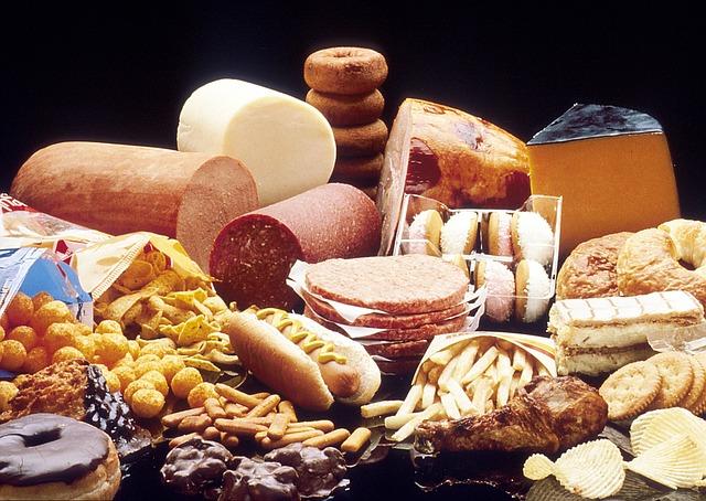 fatty foods increase cholesterol